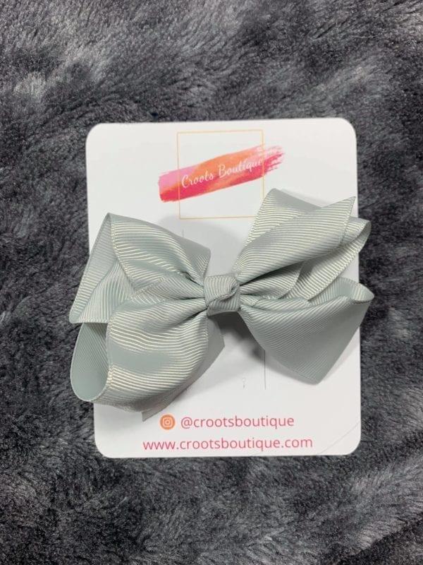 Grey bow clip